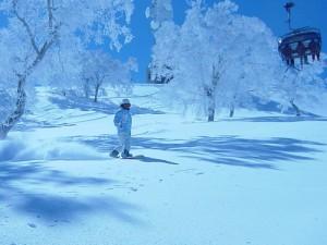 skiier-lift