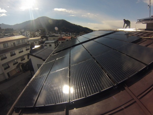 Lodge Nagano, Villa Nozawa and Kamoshika Lodge are all turning on teh Solar Power switch in Nozawa Japan this season. Now you can feel even better about yourself staying with us!