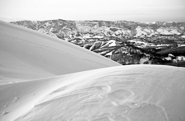 Windblown patterns in the snow at Yamabiko.