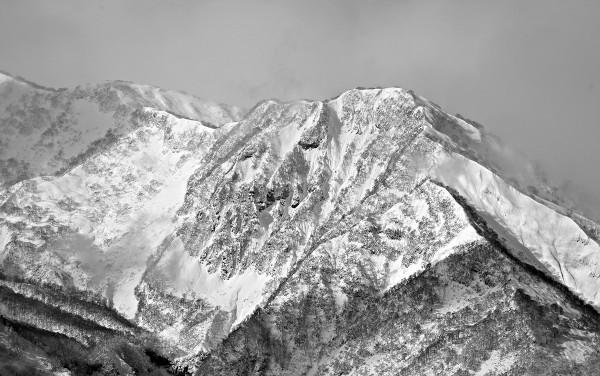 Pick your line. An unknown peak near Myoko.