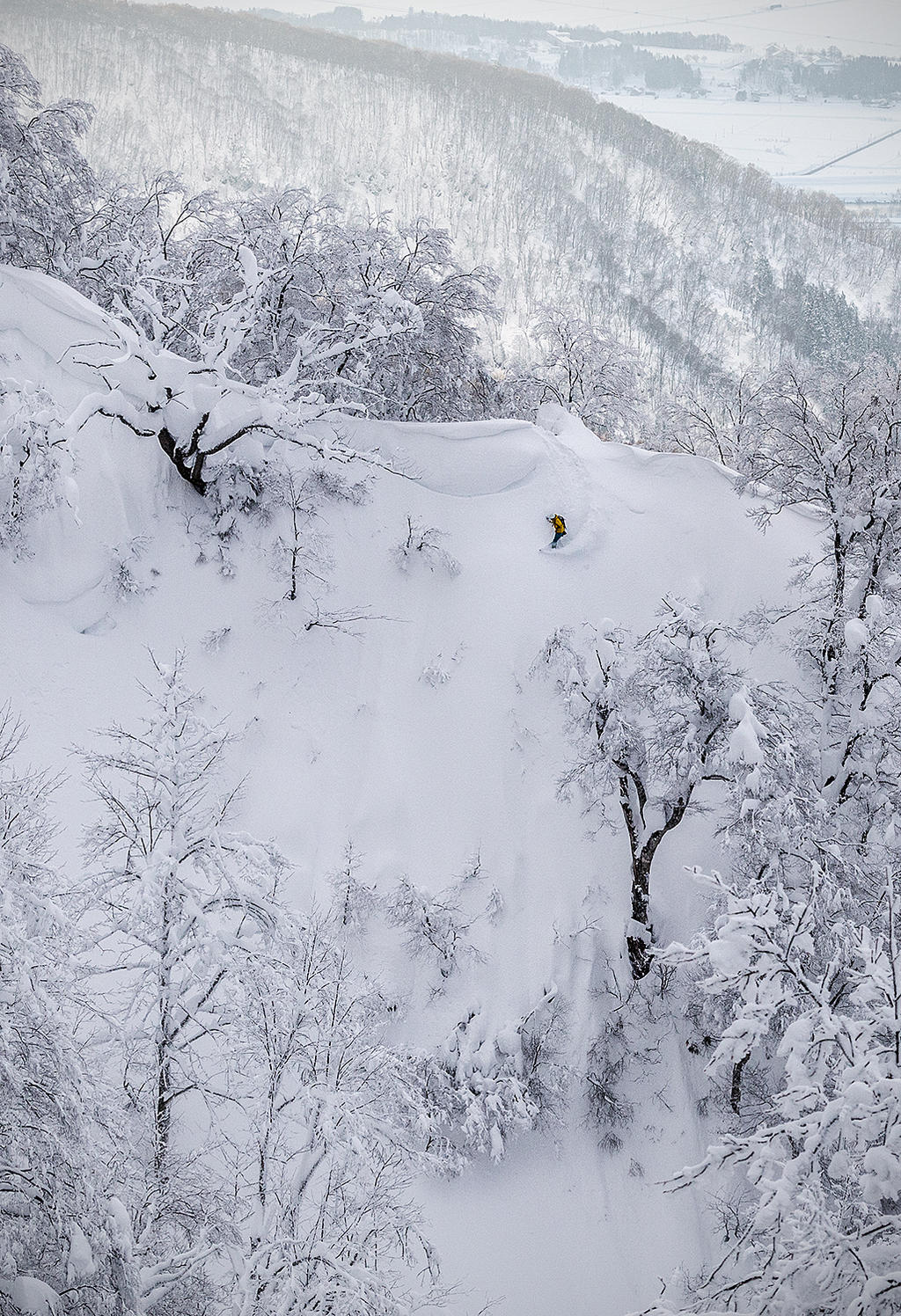 Lucas descends one of the steepest lines in Nozawa Onsen.