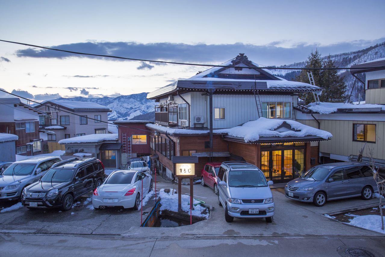 Maruji Lodge beautiful traditional and spacious local run lodge in Nozawa Onsen