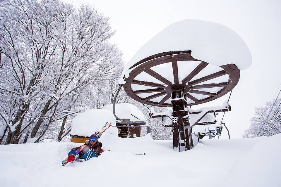 Photo take in Nozawa Onsen on 18th of December 2014! Early season can be fun.