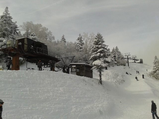 Not bad conditions for a slide early season at Ryuoo Park near Nozawa Onsen