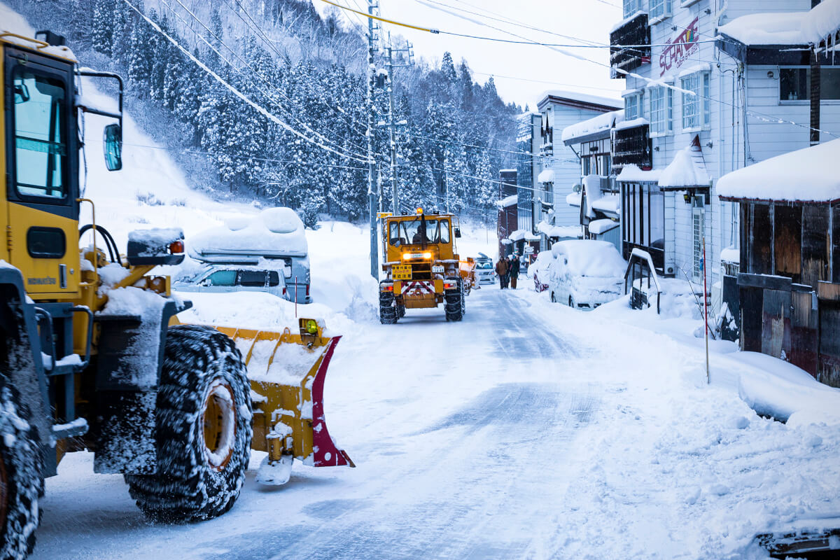 Bringing in the heavy machinery to clear the roads in Nozawa Onsen